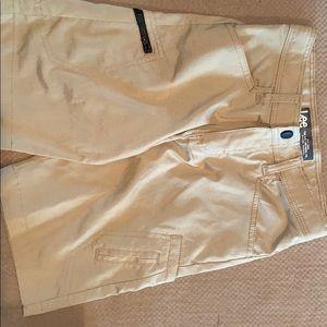 Lee Khaki boy's shorts size 8 Regular